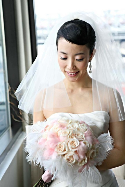 Shoulder-length-veil